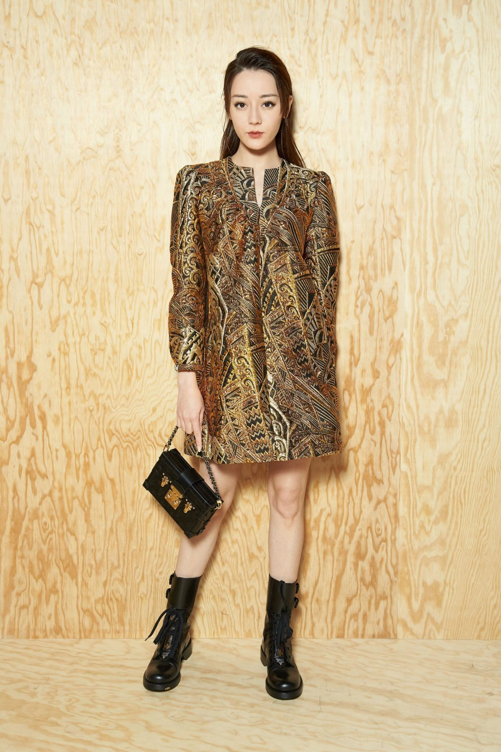 Địch Lệ Nhiệt Ba tại show Louis Vuitton tuần lễ thời trang Paris Xuân - Hè 2020