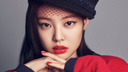 Jennie (Blackpink) - Da đẹp không chỉ nhờ skincare