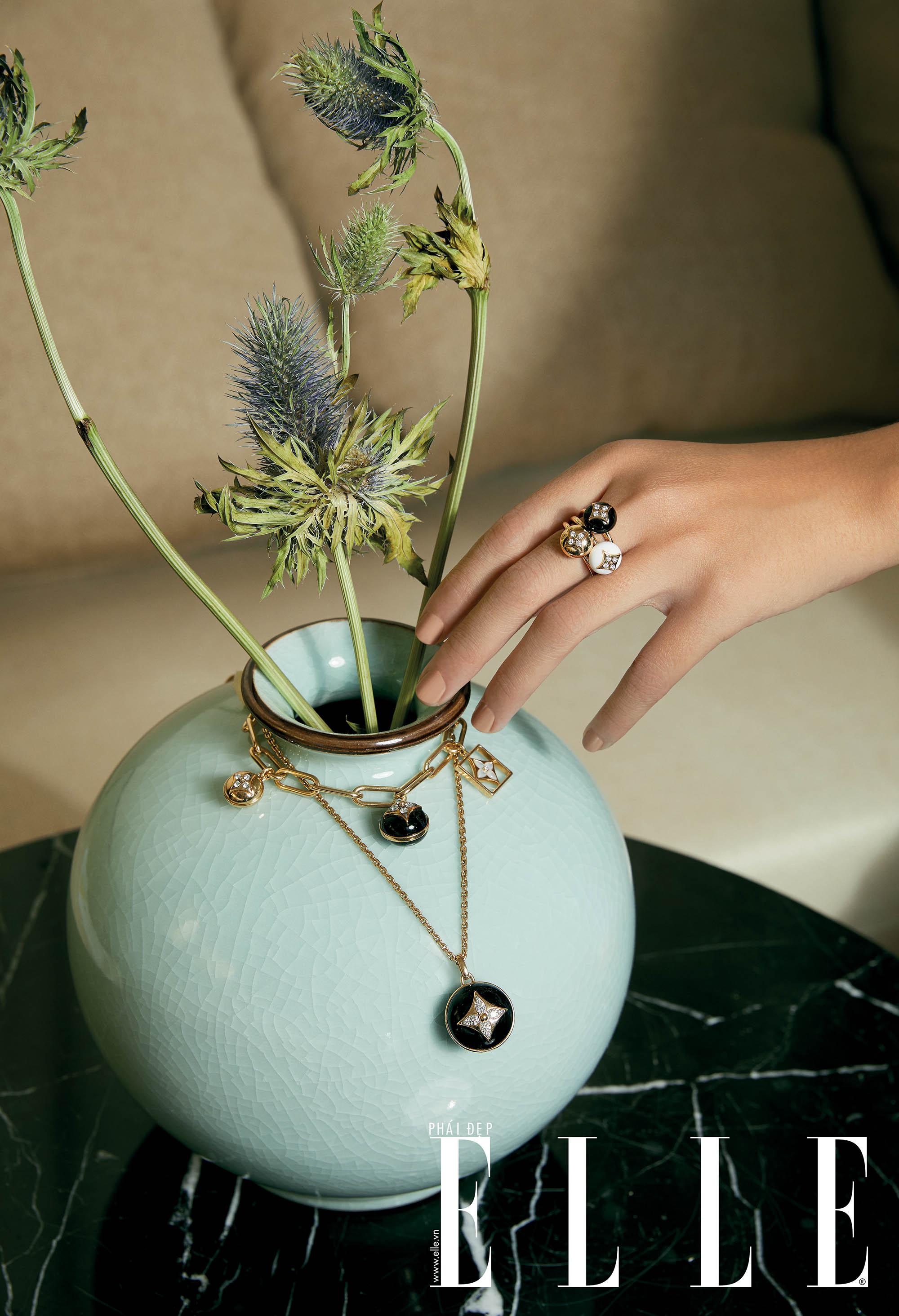 Nhẫn, vòng đeo tay, dây chuyền trong BST B. Blossom của Louis Vuitton