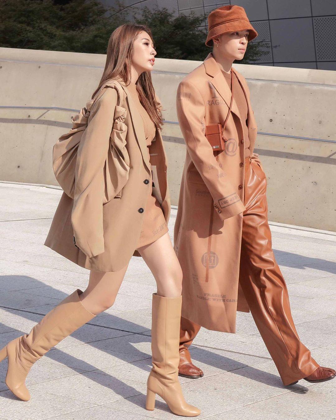 giày matching với váy/quần - cách phối đồ tại tuần lễ thời trang seoul xuân hè 2020