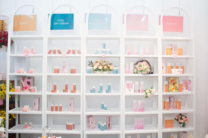 khai trương cửa hàng mỹ phẩm Hàn Quốc