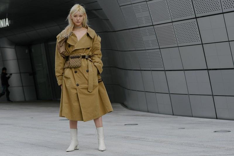 phối trang phục cùng dây eo - cách phối đồ của fashionistas tại tuần lễ thời trang seoul xuân hè 2020