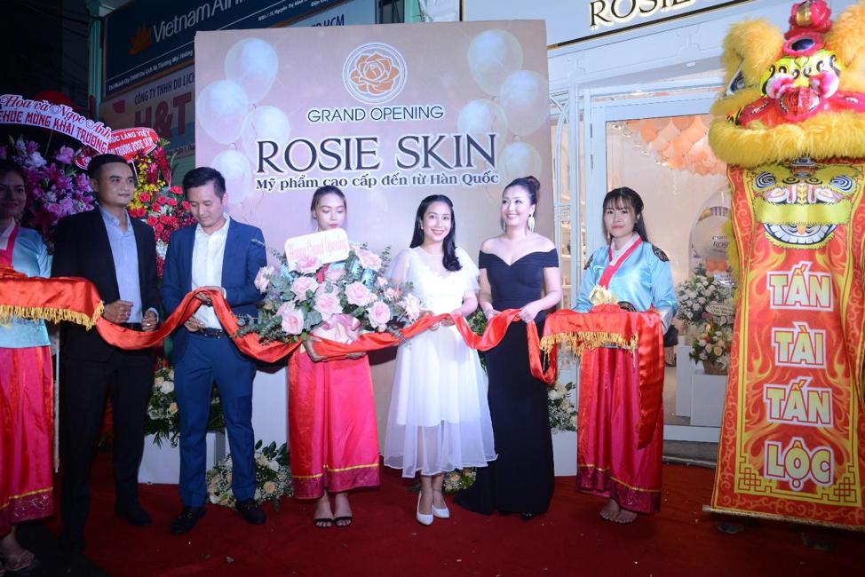 khai trương thương hiệu Roise Skin