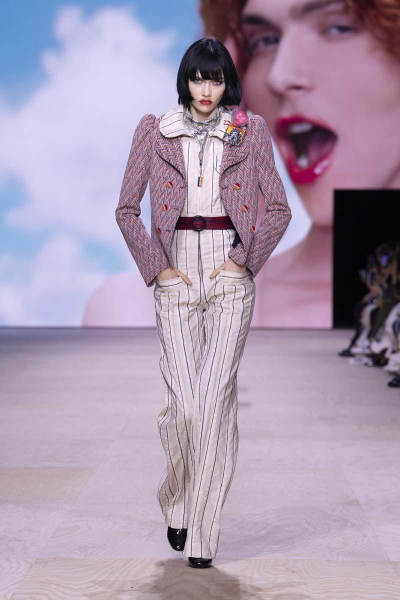 thiết kế dandy suit trong bộ sưu tập louis vuitton xuân hè 2020