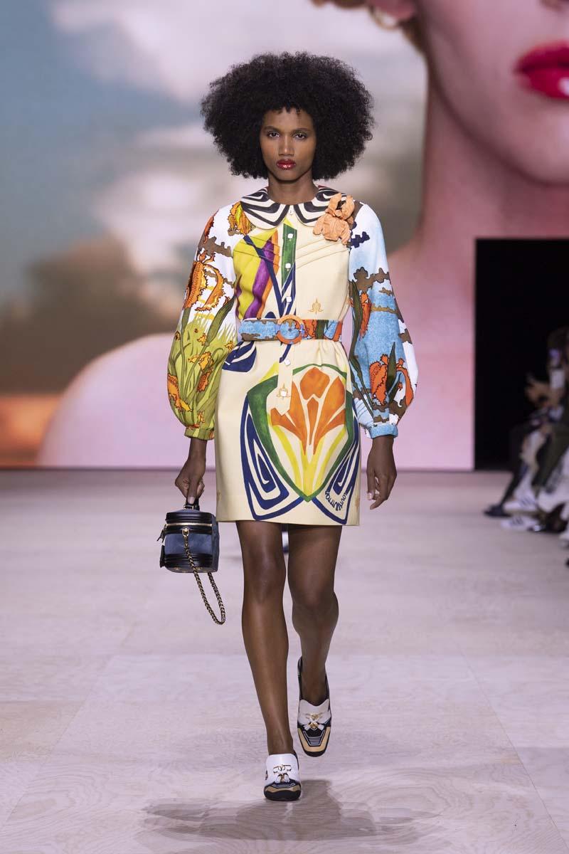 trang phục họa tiết louis vuitton xuân hè 2020