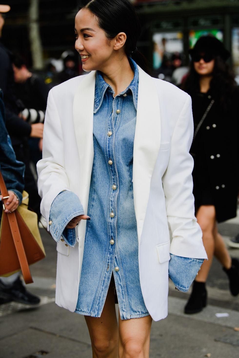 yoyo cao blazer trắng áo denim