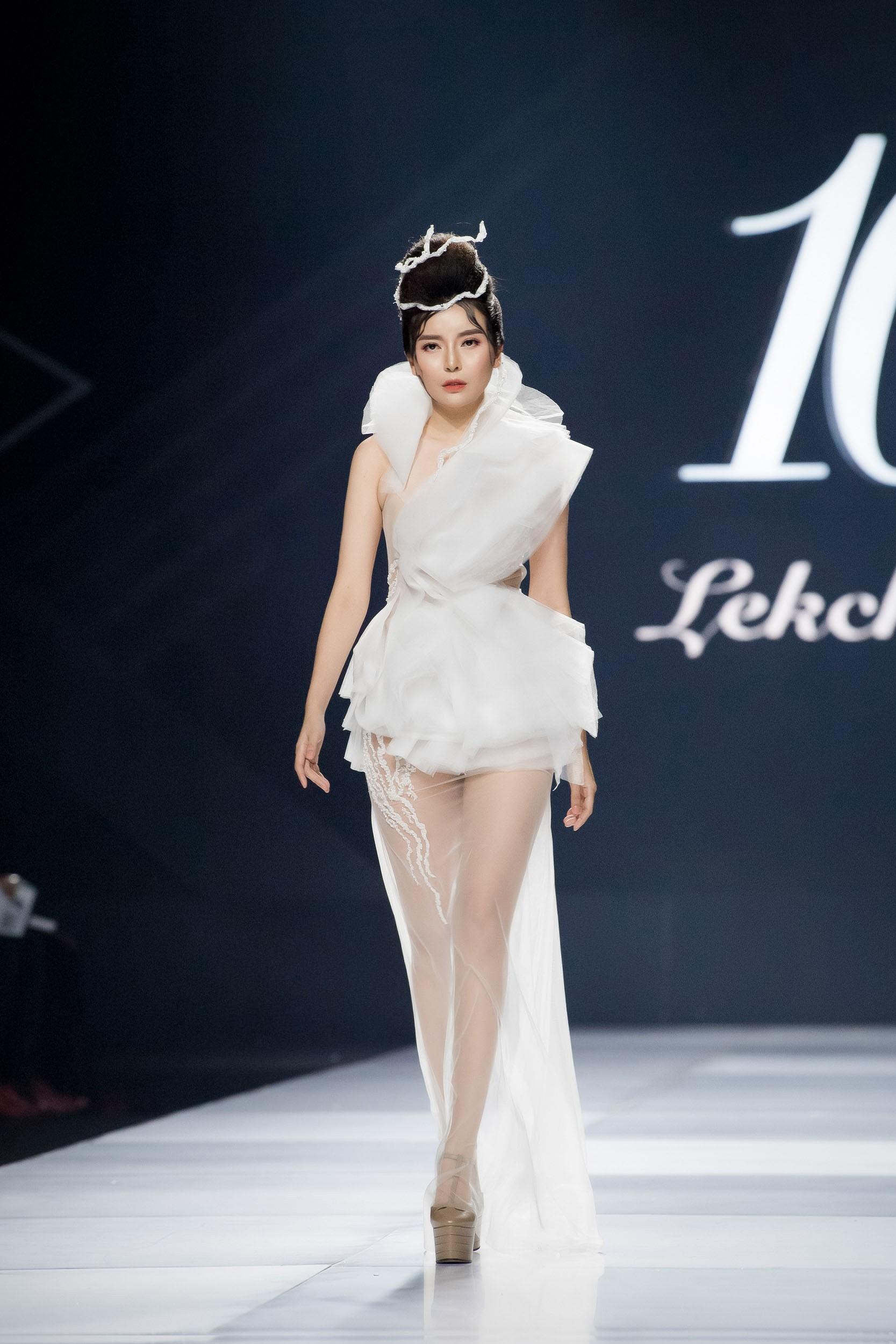 Aquafina Vietnam International Fashion Week - Linh Rin, Cao Thái Hà 3