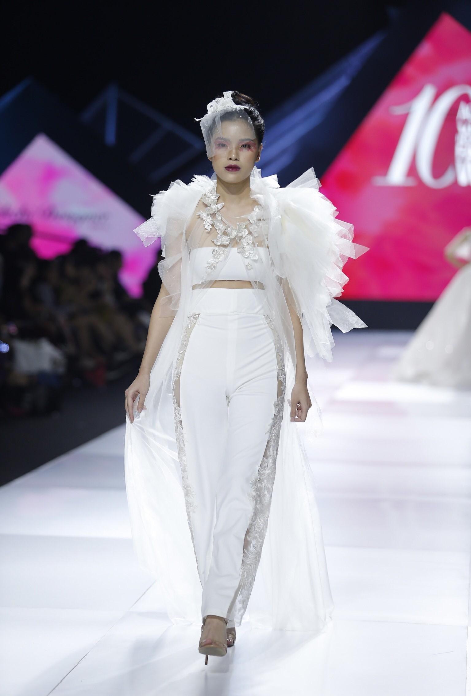 Aquafina Vietnam International Fashion Week - Linh Rin, Cao Thái Hà 5