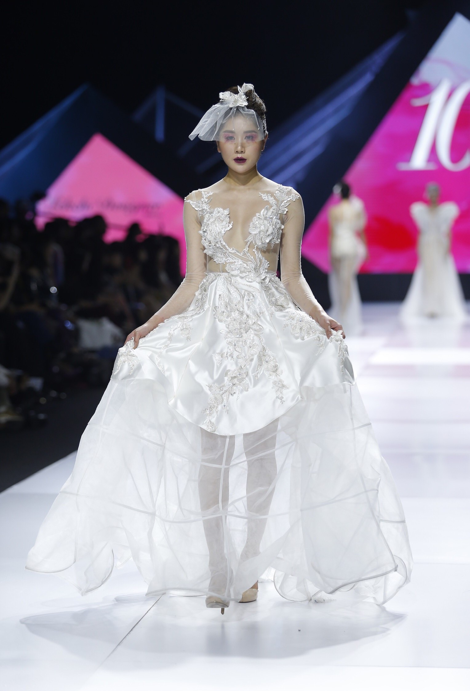 Aquafina Vietnam International Fashion Week - Linh Rin, Cao Thái Hà 6