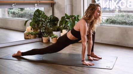 Những bài tập yoga tại nhà dành riêng cho người bận rộn