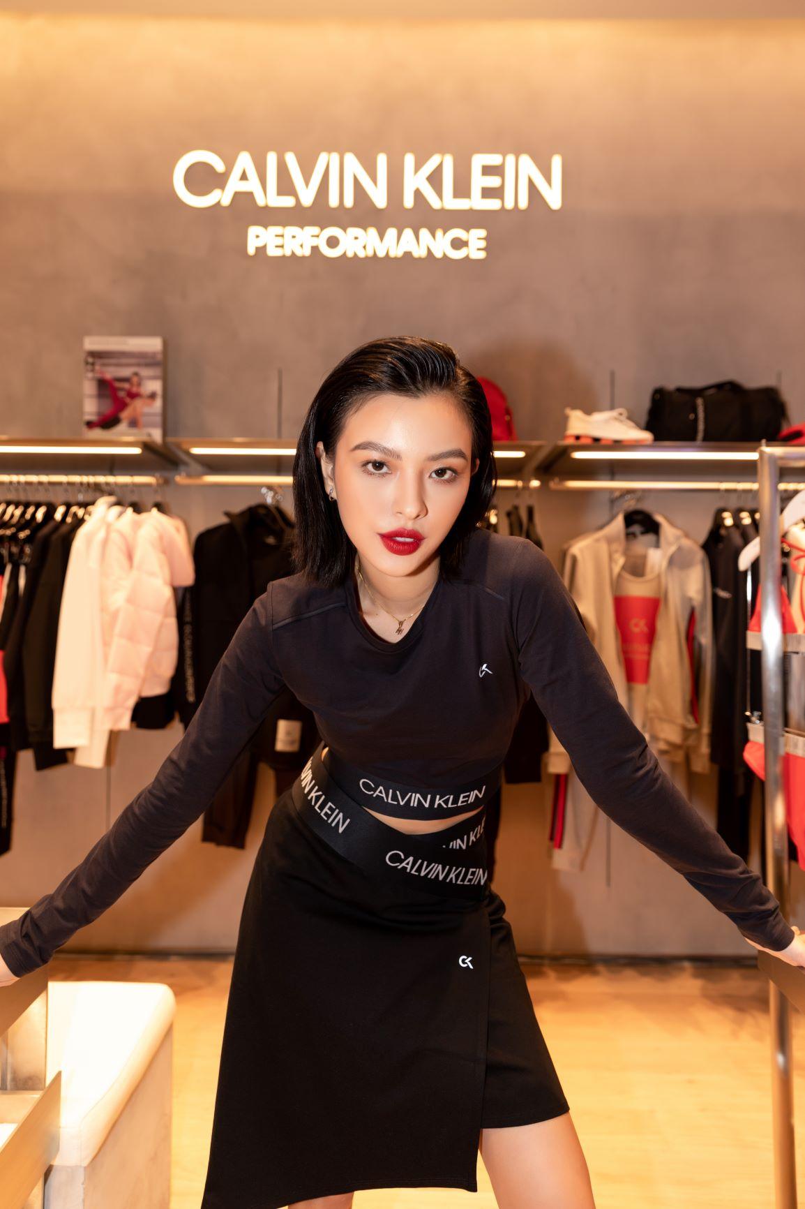 Tú Hảo tại sự kiện Calvin Klein khai trương cửa hàng