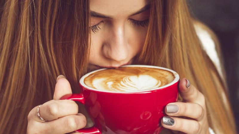 uống cà phê từ 4-5 cốc trong ngày là đủ