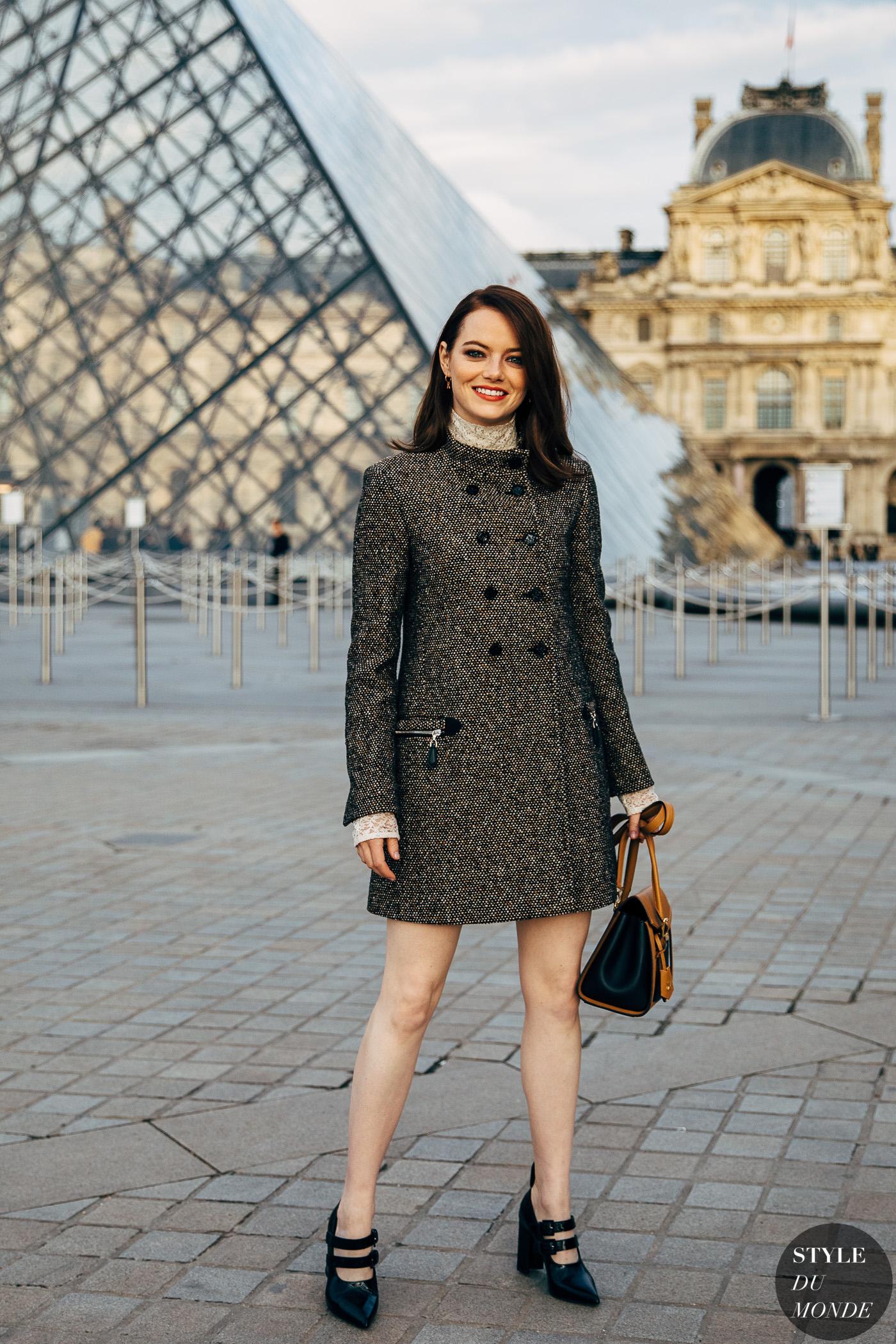 thời trang cung hoàng đạo - emma stone diện giày mary jane cao gót và áo khoác dài - style du monde