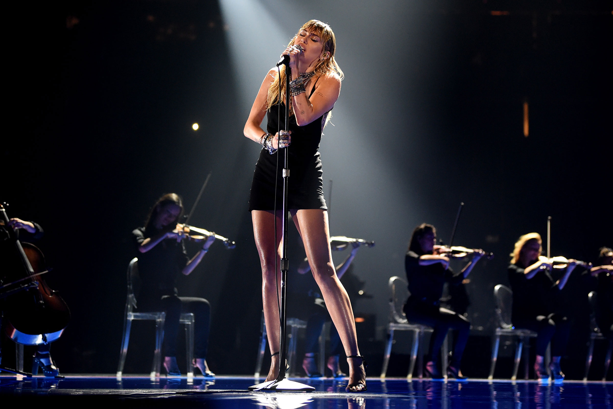 Miley Cyrus tại MTV Awards
