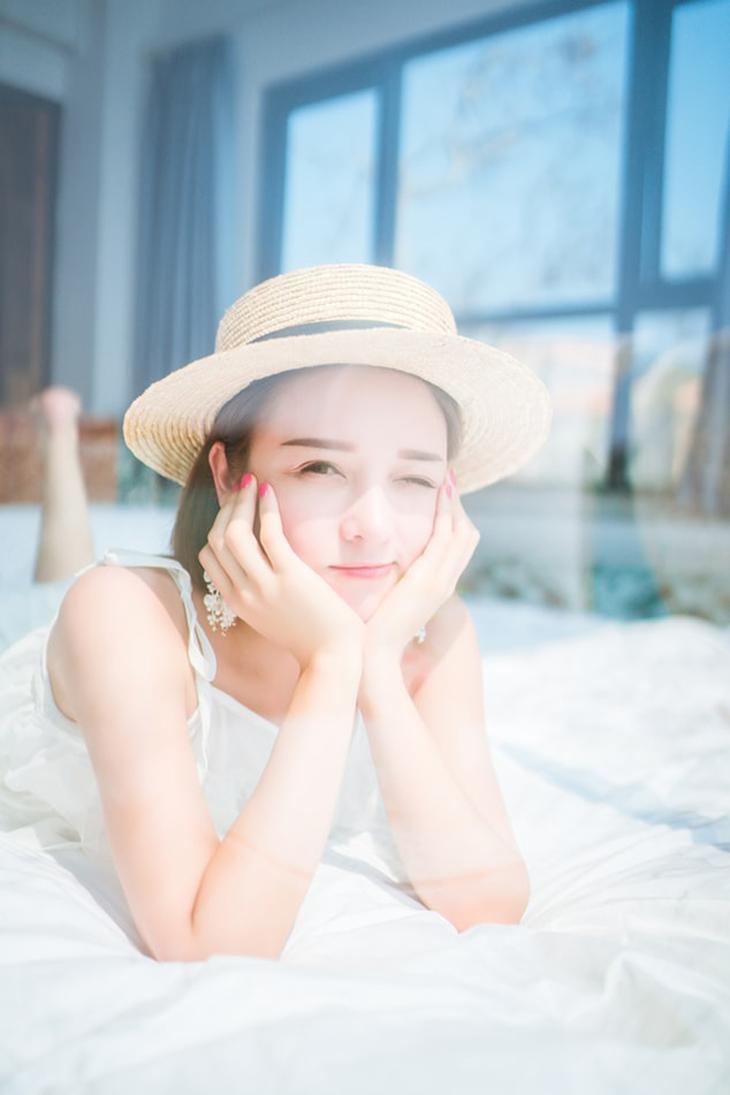 """Người trẻ Hàn sợ làn da bị """"bội thực"""" với quá nhiều bước dưỡng da của K-Beauty truyền thống"""