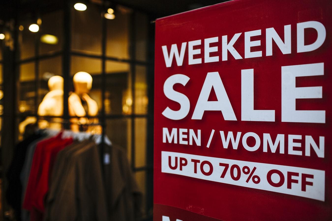 mua sắm thông minh mùa cuối năm - marketing tạo cảm giác gấp rút