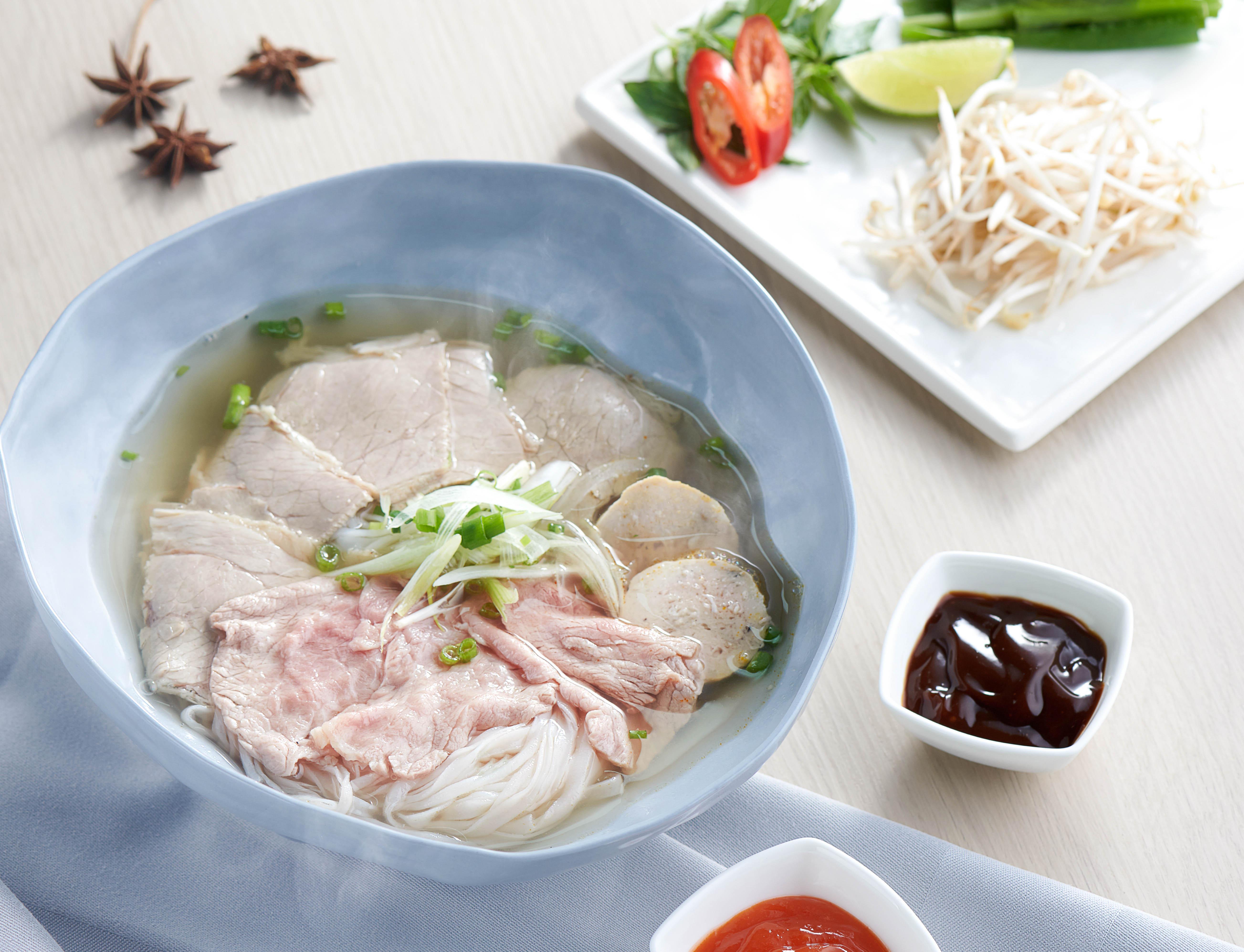Sheraton Grand Đà Nẵng - Table 88 - Phở - Helen Le