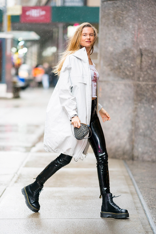 Cá tính, dễ phối đồ và mang lại cảm giác thoải mái chính là điều làm nhiều ngôi sao yêu thích giày Dr.Martens.