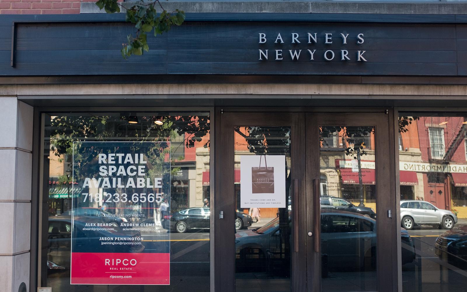 Barneys New York đóng cửa - tin thời trang 2019