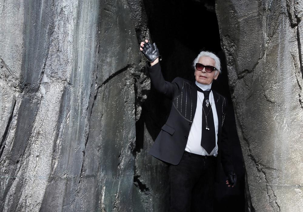 tin thời trang - ntk karl lagerfeld qua đời ở tuổi 85