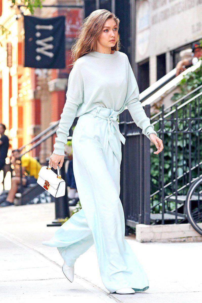 Gigi Hadid set đồ xanh hồ trăn