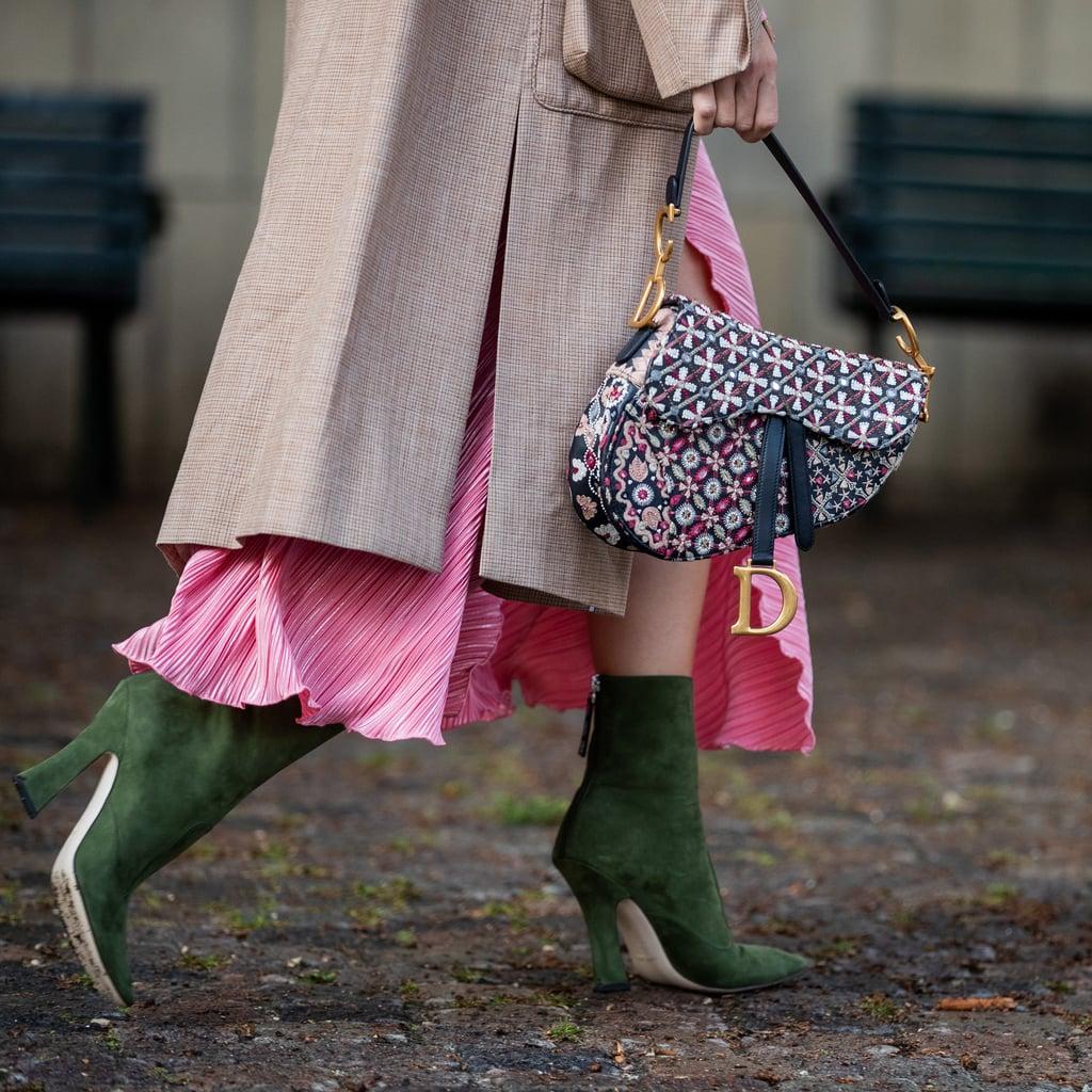 trang phục màu hồng phụ kiện phối cùng trang phục