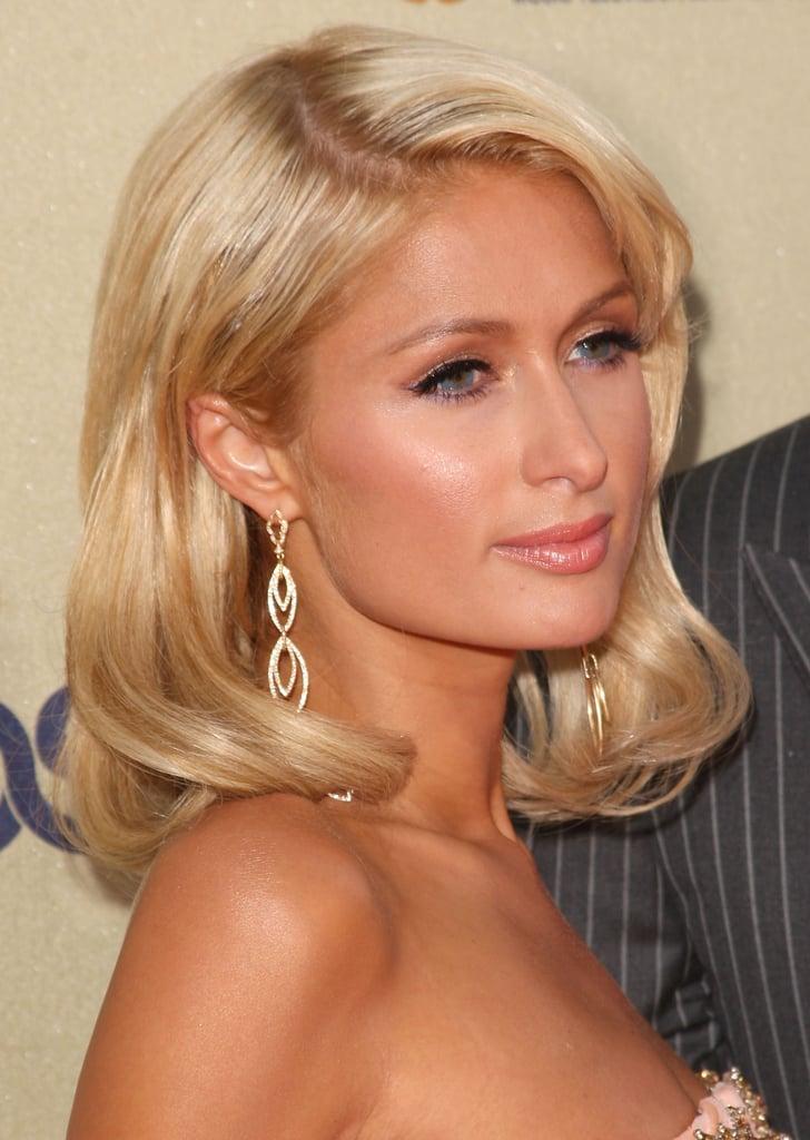 Paris Hilton đeo hoa tai - cách chọn hoa tai phù hợp với hình dáng gương mặt