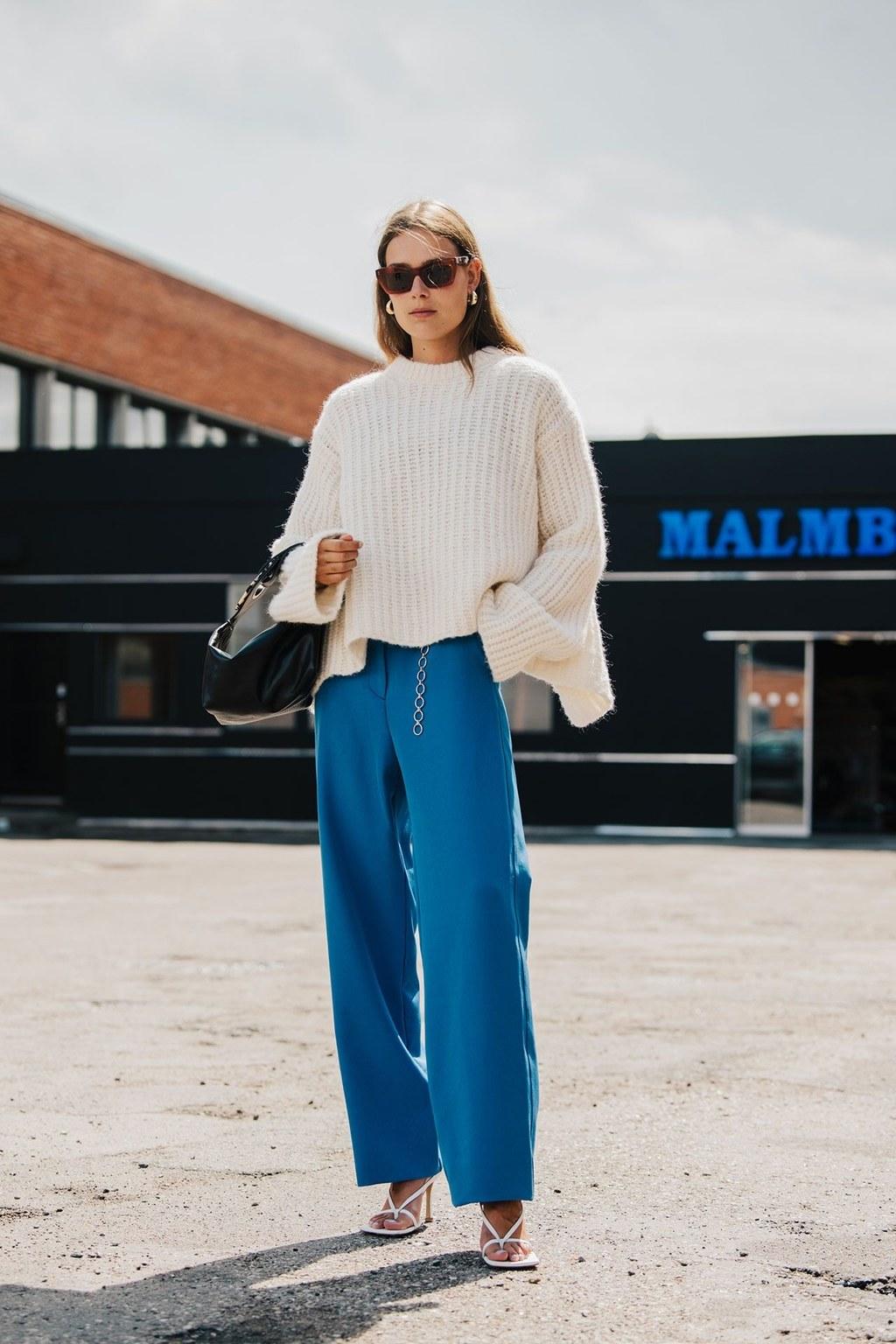 Áo len và quần ống rộng classic blue