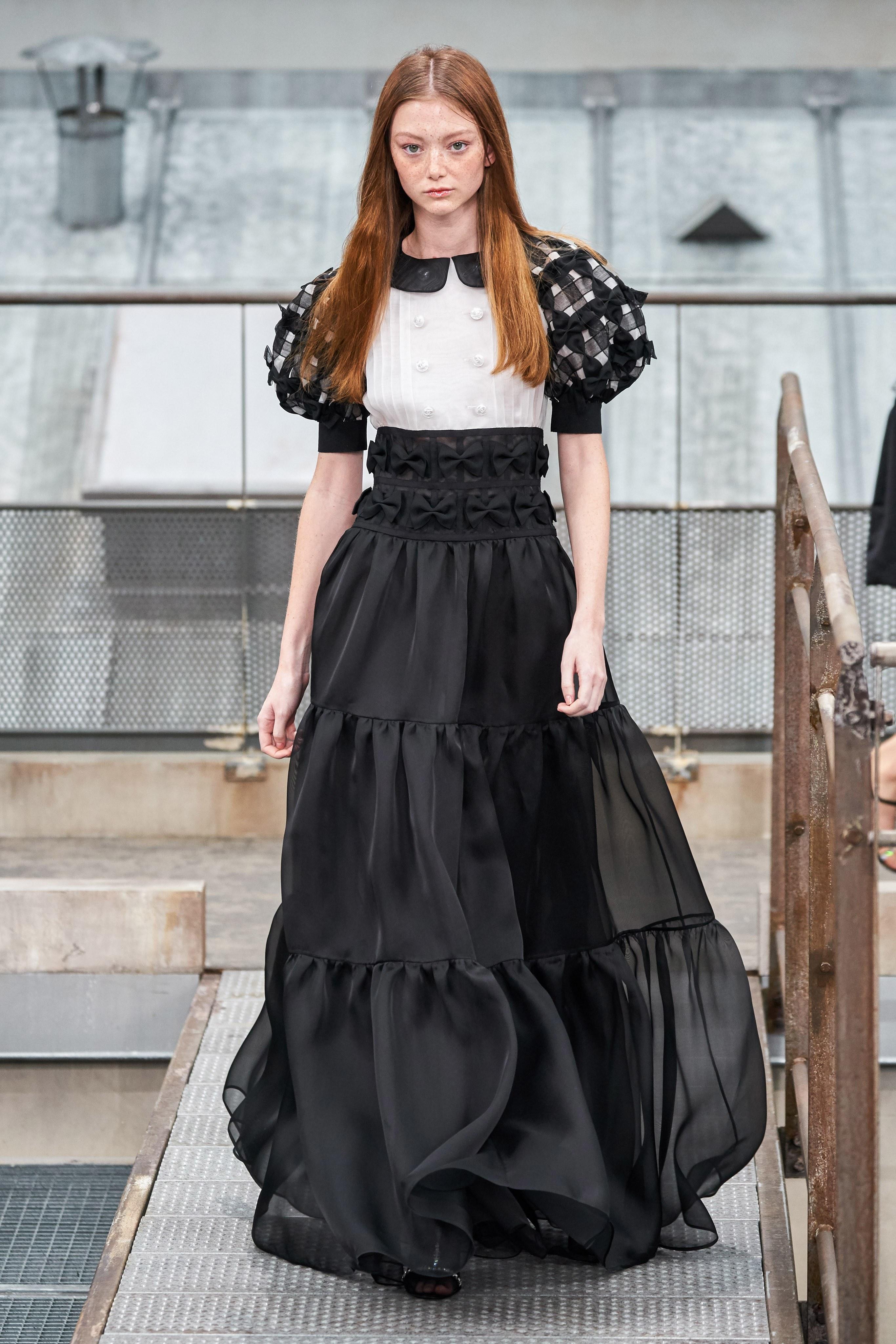 Chân váy xếp tầng Chanel - xu hướng thời trang Xuân - Hè 2020