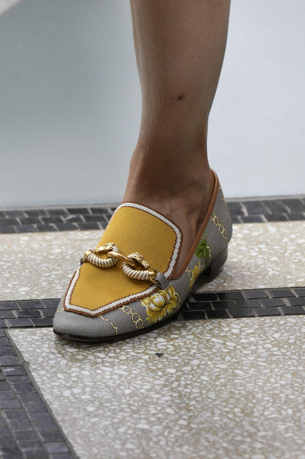 giày loafer Tory Burch xuân hè 2020 - xu hướng thời trang