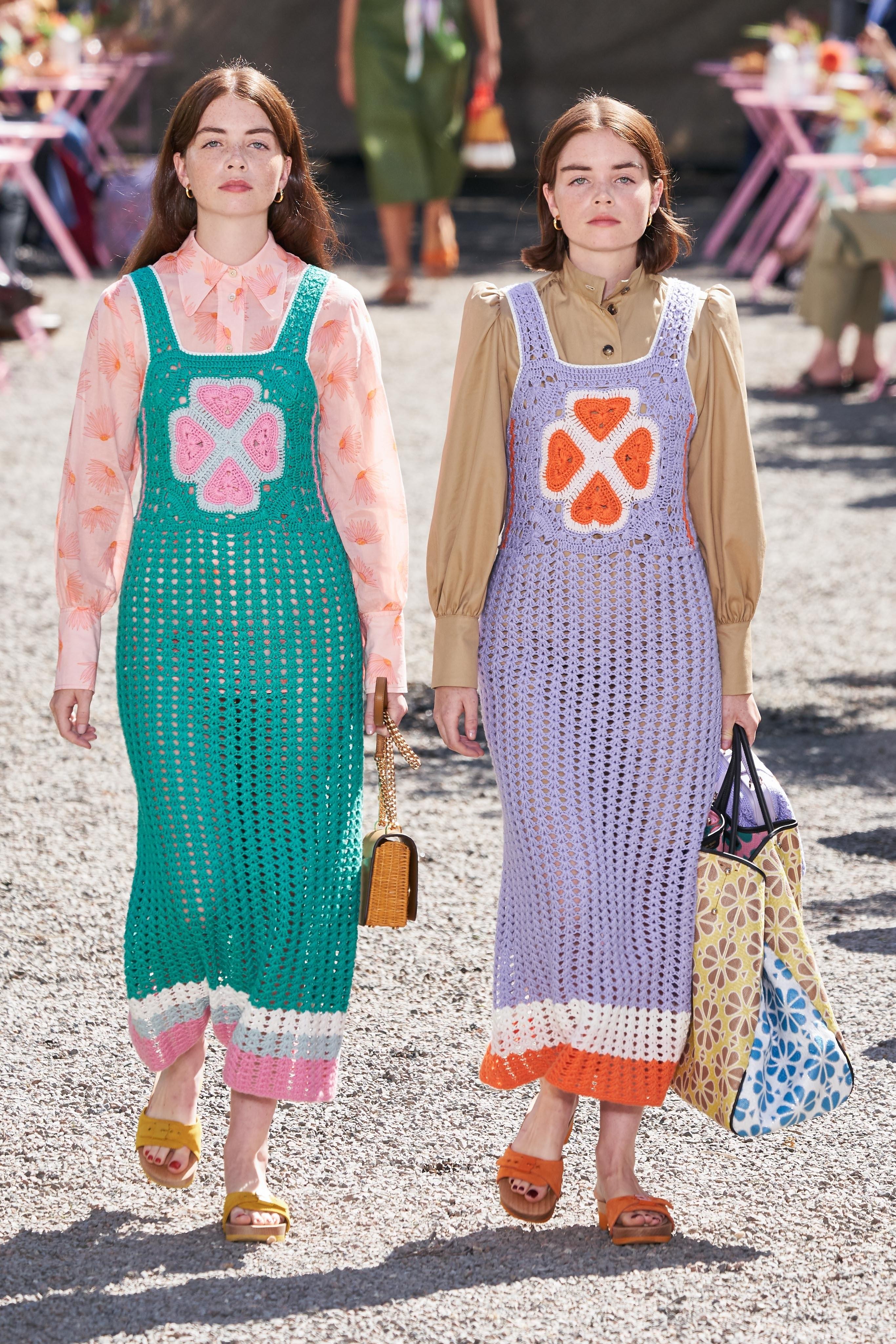thiết kế vải móc màu sắc kate spade new york - xu hướng thời trang xuân hè 2020
