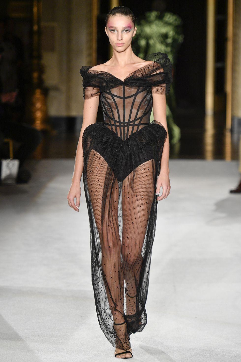 corset Christian Siriano - xu hướng thời trang xuân hè 2020