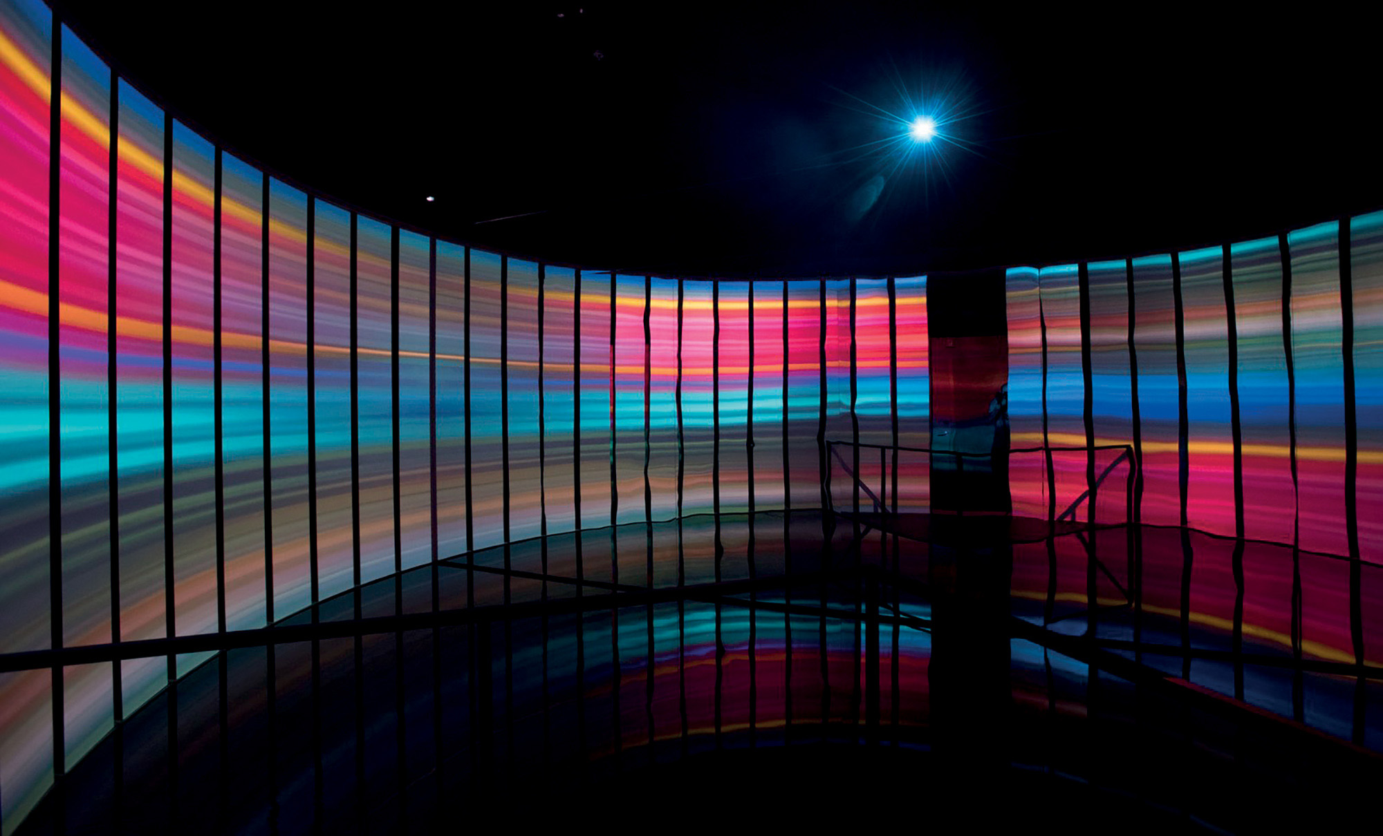 Es Devlin thiết kế sân khấu Miami Beach Edition