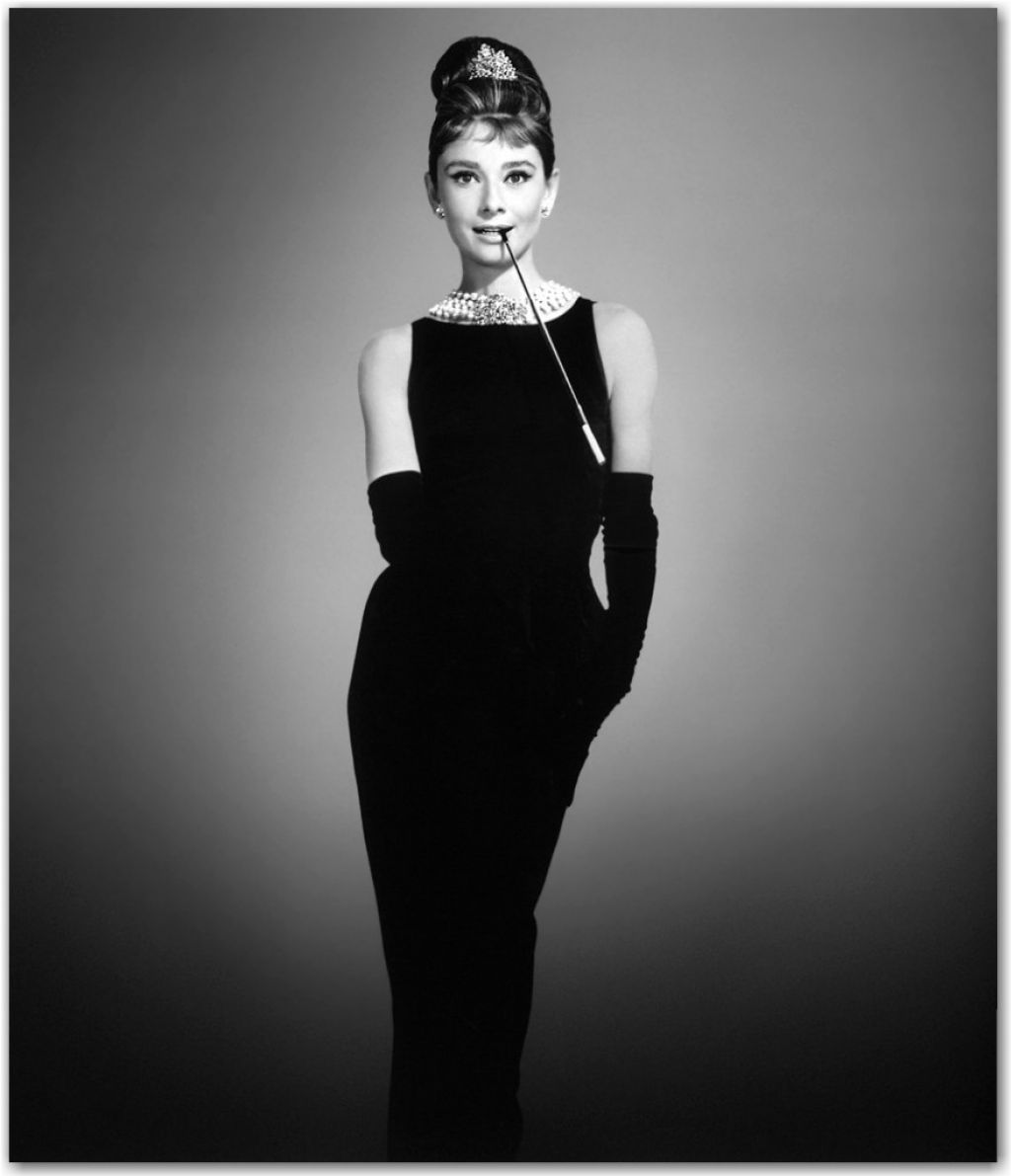 Đầm đen little black dress audrey hepburn