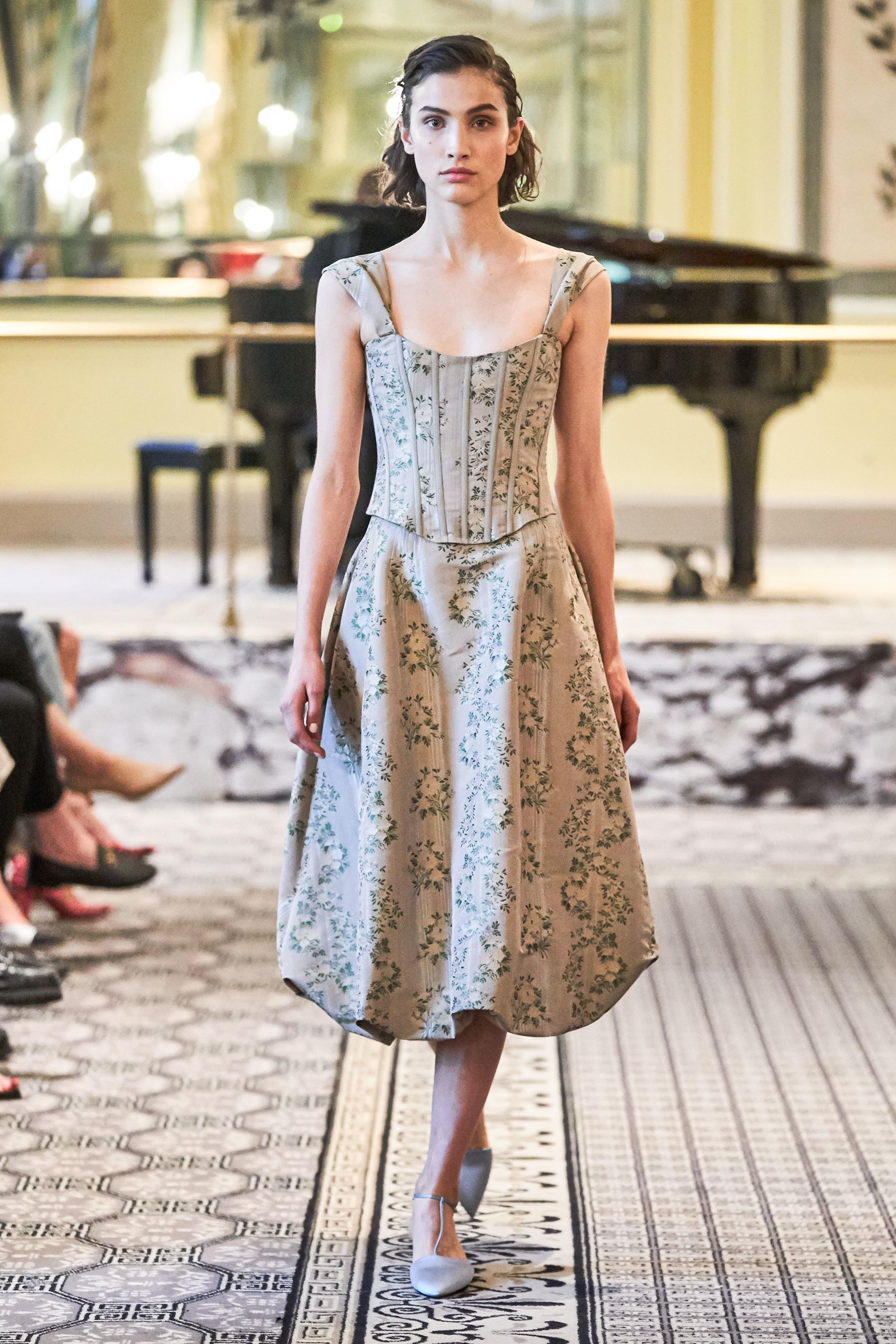 corset Brook Collection - xu hướng thời trang xuân hè 2020