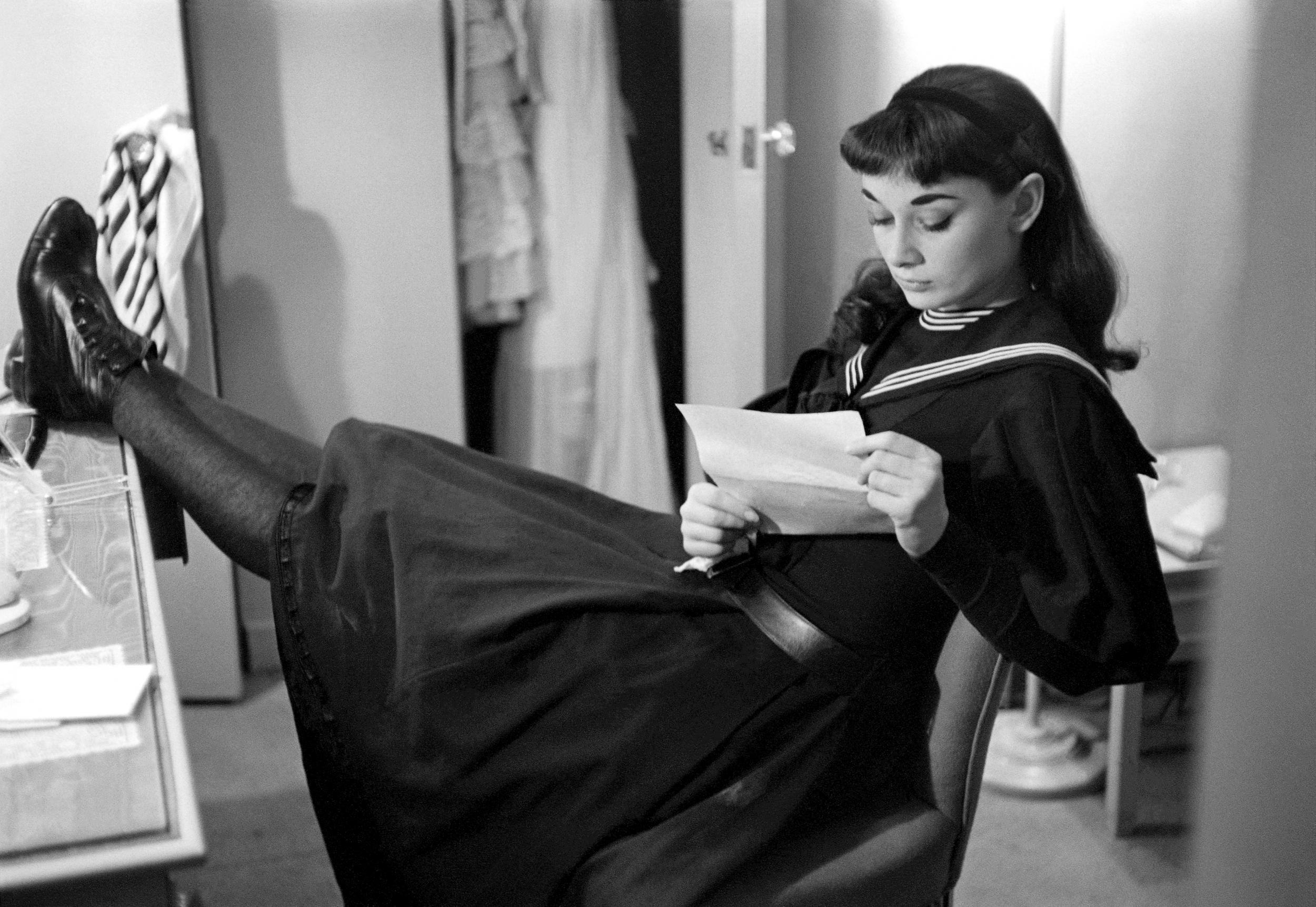Từ khóa thời trang Audrey Hepburn Style
