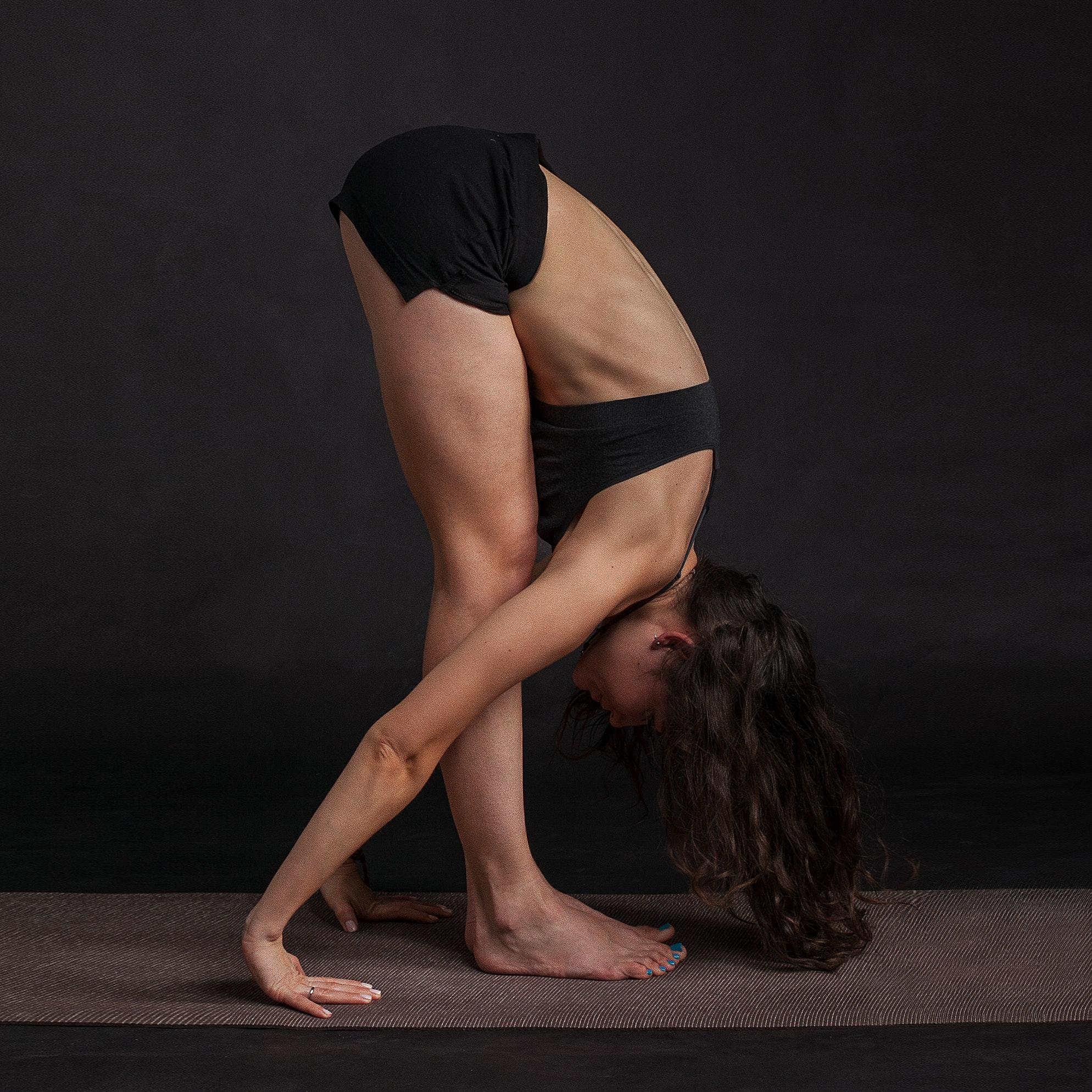 yoga for hair loss tư thế cúi gập người