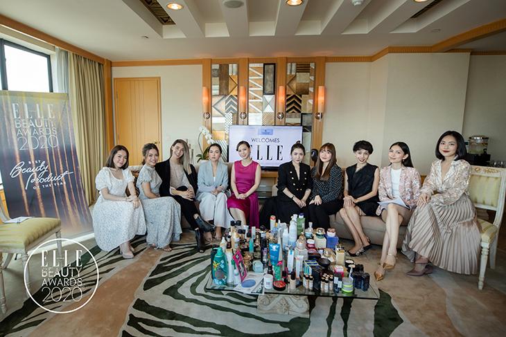 EBAs 2020 beauty bloggers chụp hình cuối buổi gặp mặt