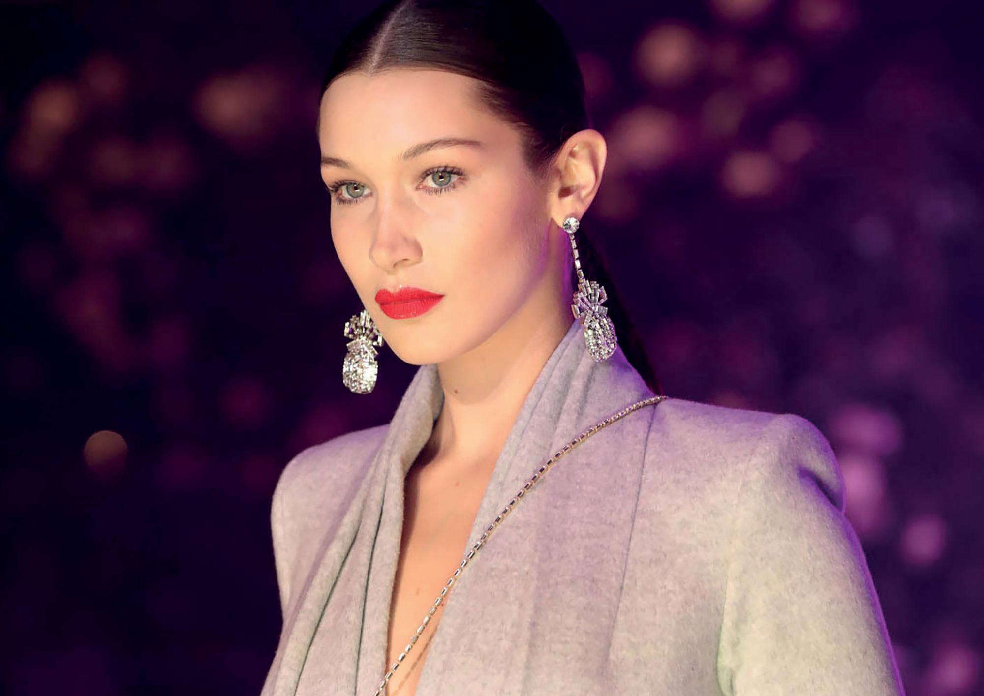 Bella Hadid tỷ lệ khuôn mặt vàng