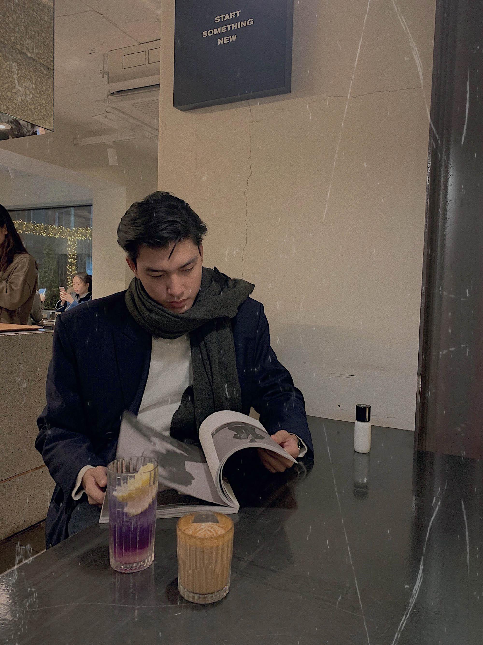 quà Giáng Sinh Quang Đại trong quán cafe