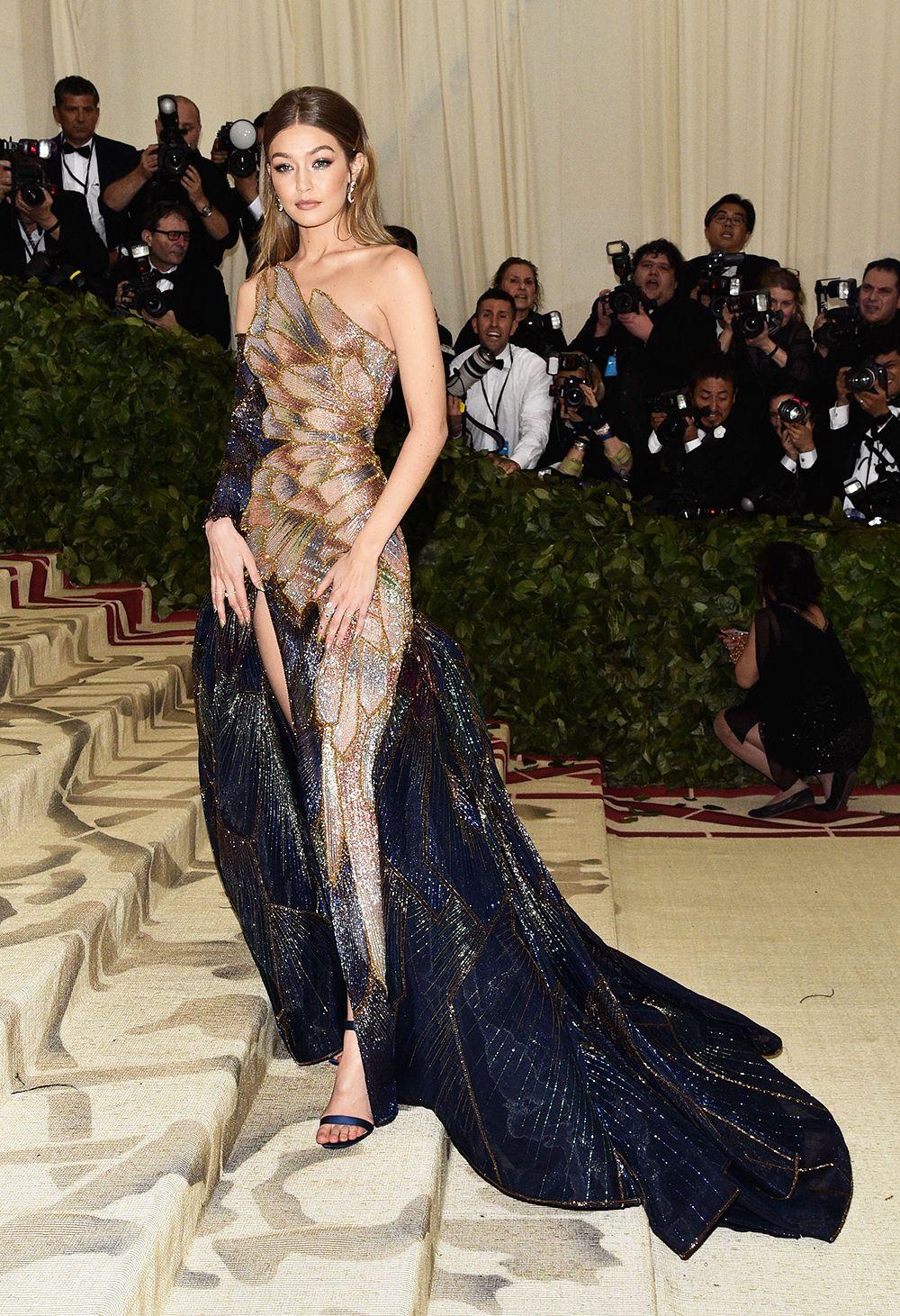 Gigi Hadid thời trang thảm đỏ 2018