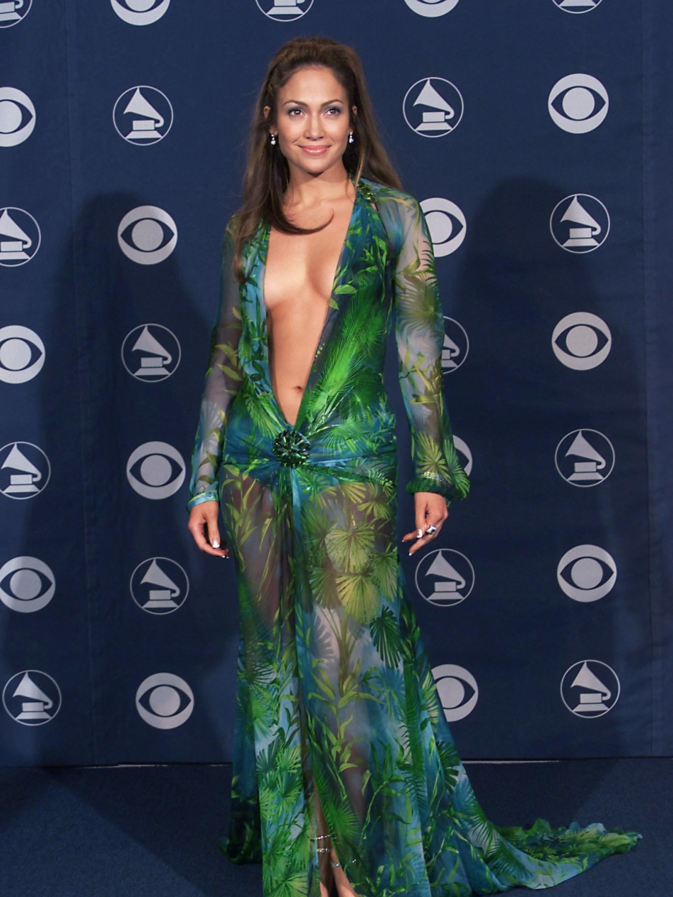 Thời trang thảm đỏ Jennifer Lopez 2000