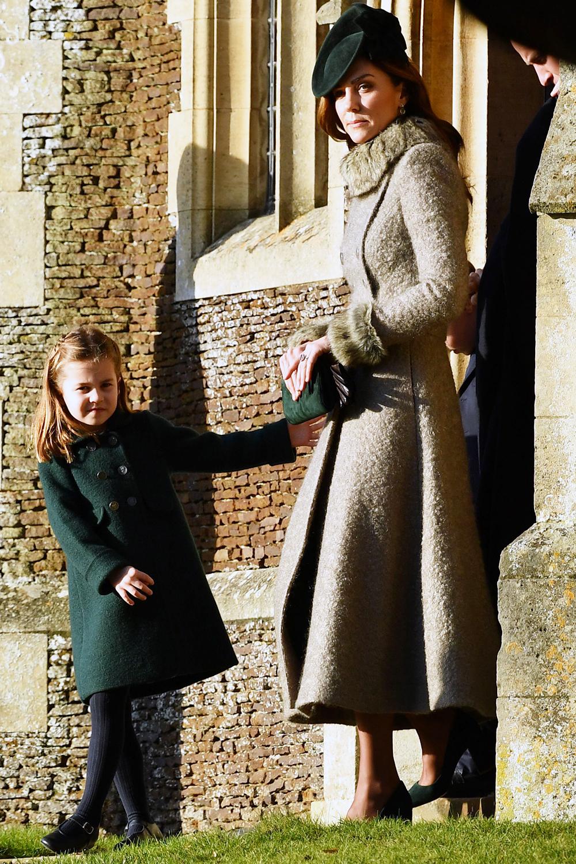Công chúa Charlotte và Công nương Kate