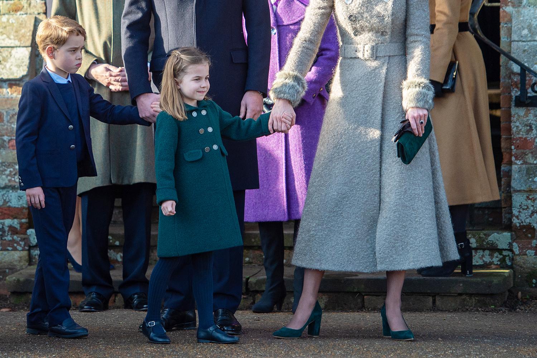 Hoàng tử George trong buổi đi dạo Giáng Sinh