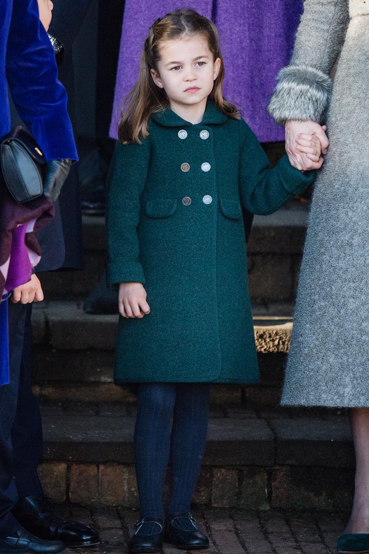 Trang phục Công chúa Charlotte