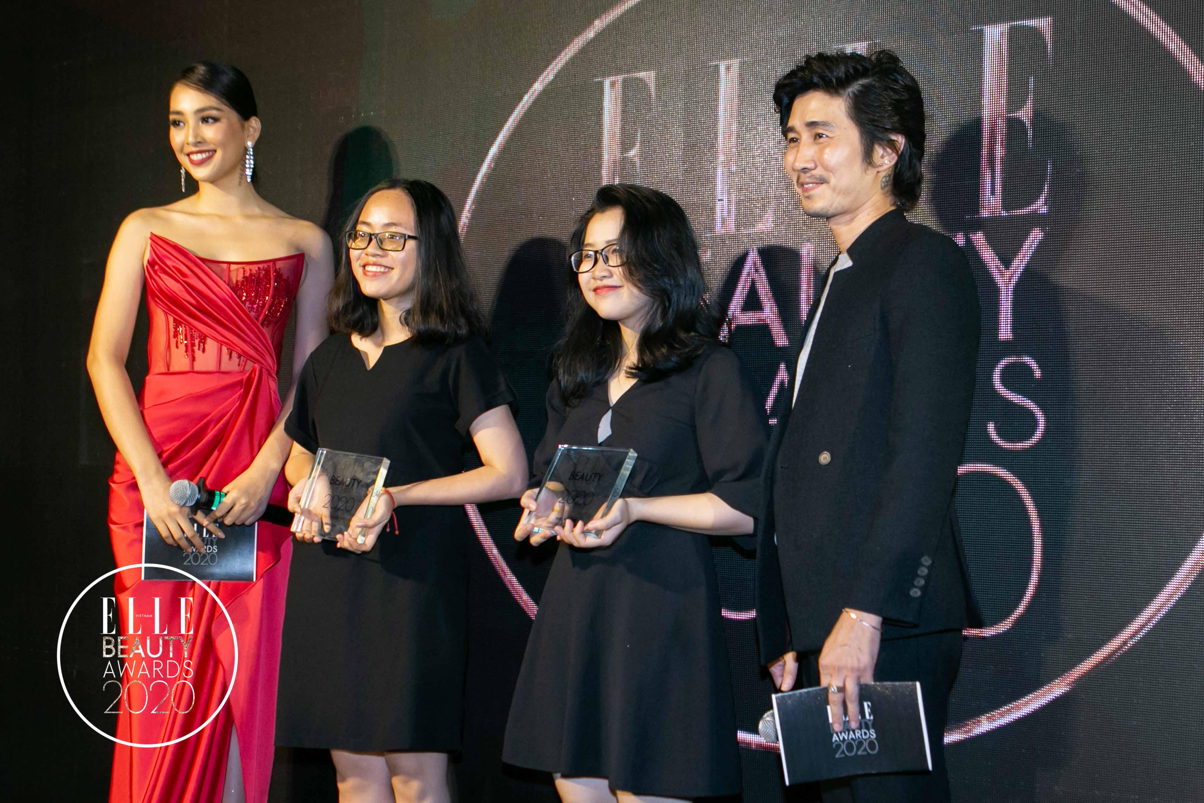 chuyên gia makeup tùng châu và hoa hậu tiểu vy trao giải 4