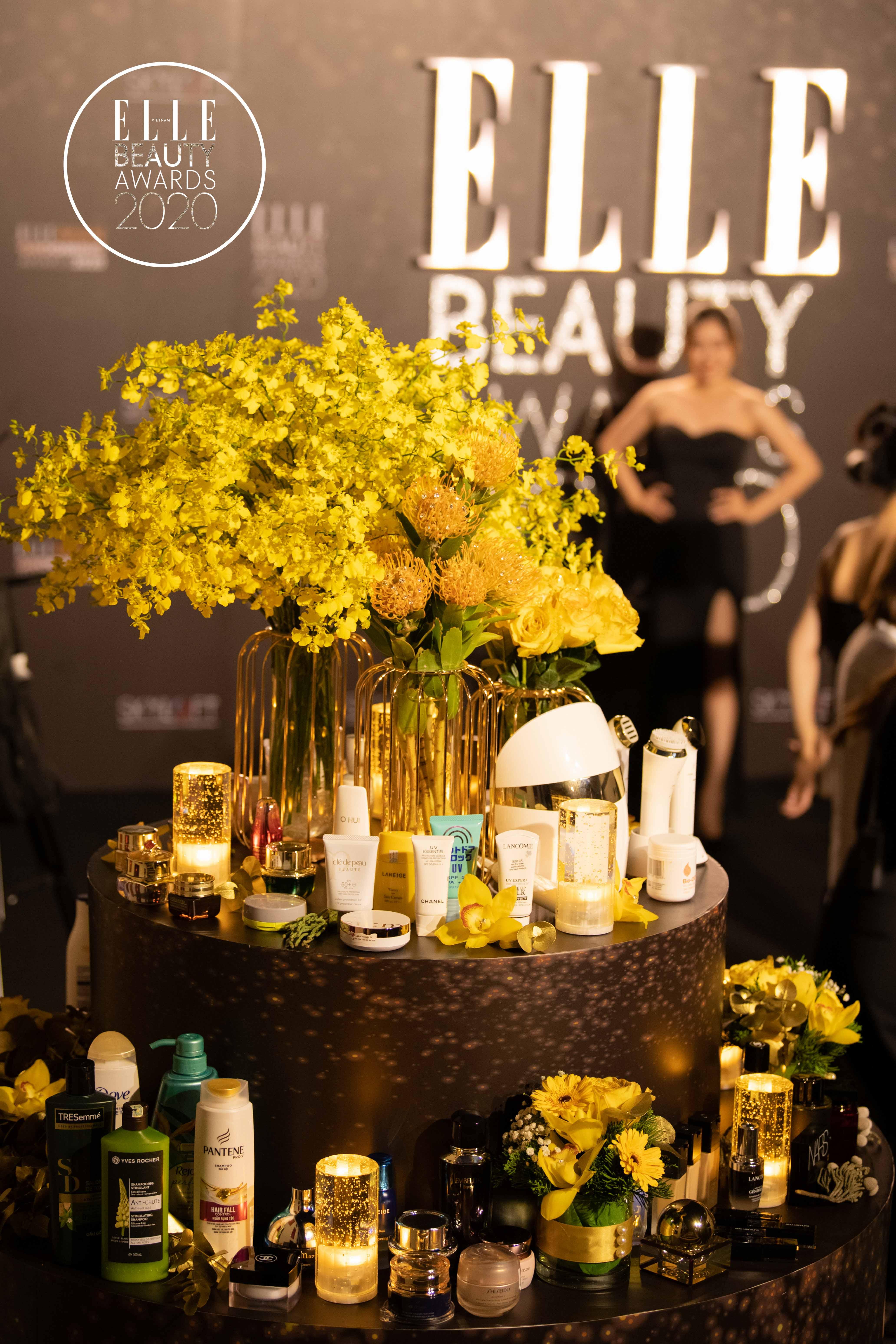 những sản phẩm trưng bày tại ELLE Beauty Awards 2020