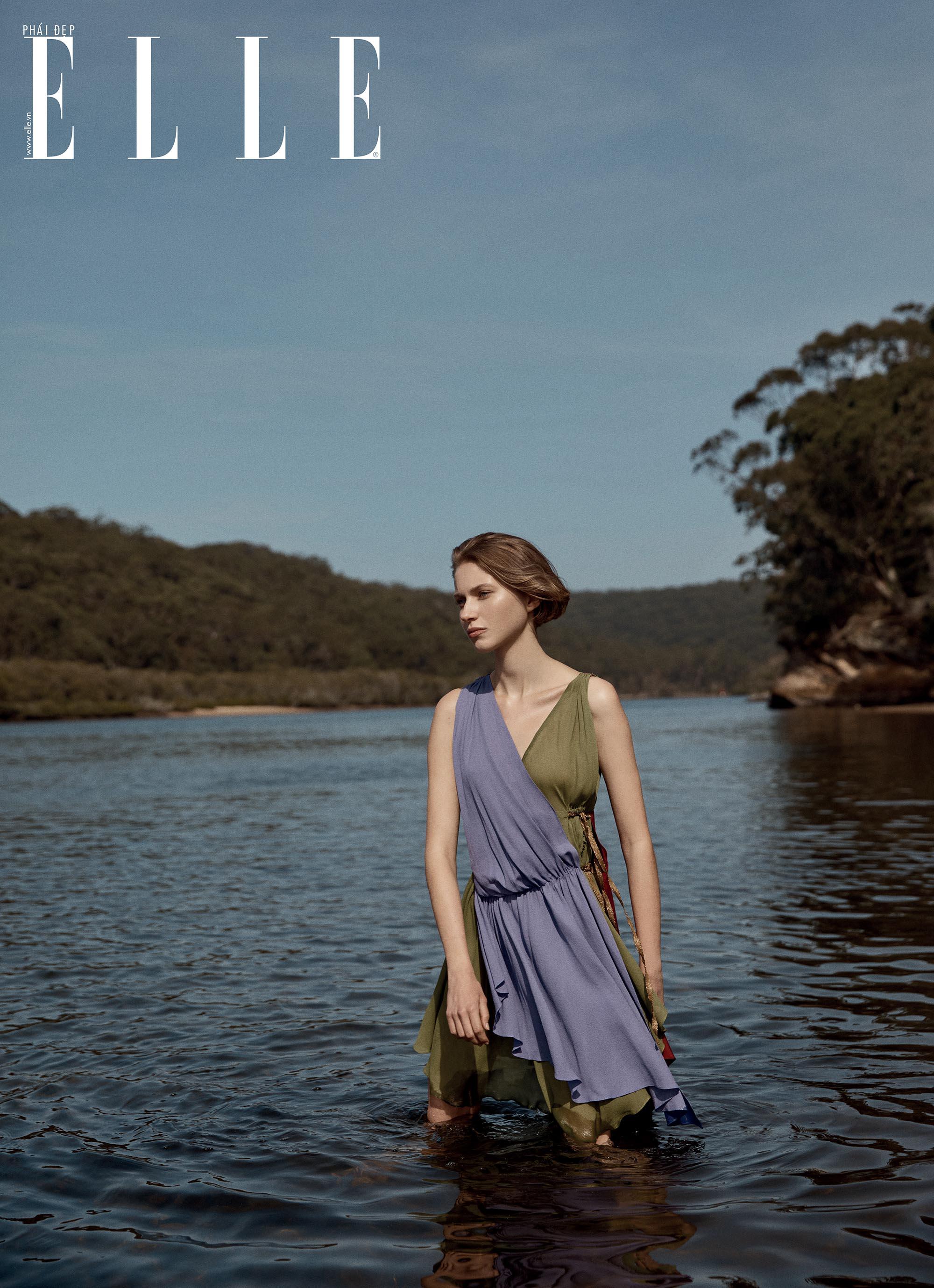 bộ ảnh cô gái đứng dưới hồ