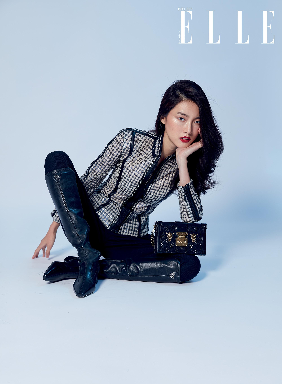 Louis Vuitton người mẫu mặc trang phục kẻ caro