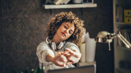 Những động tác thể dục tại chỗ nâng cao sức khoẻ cho dân văn phòng